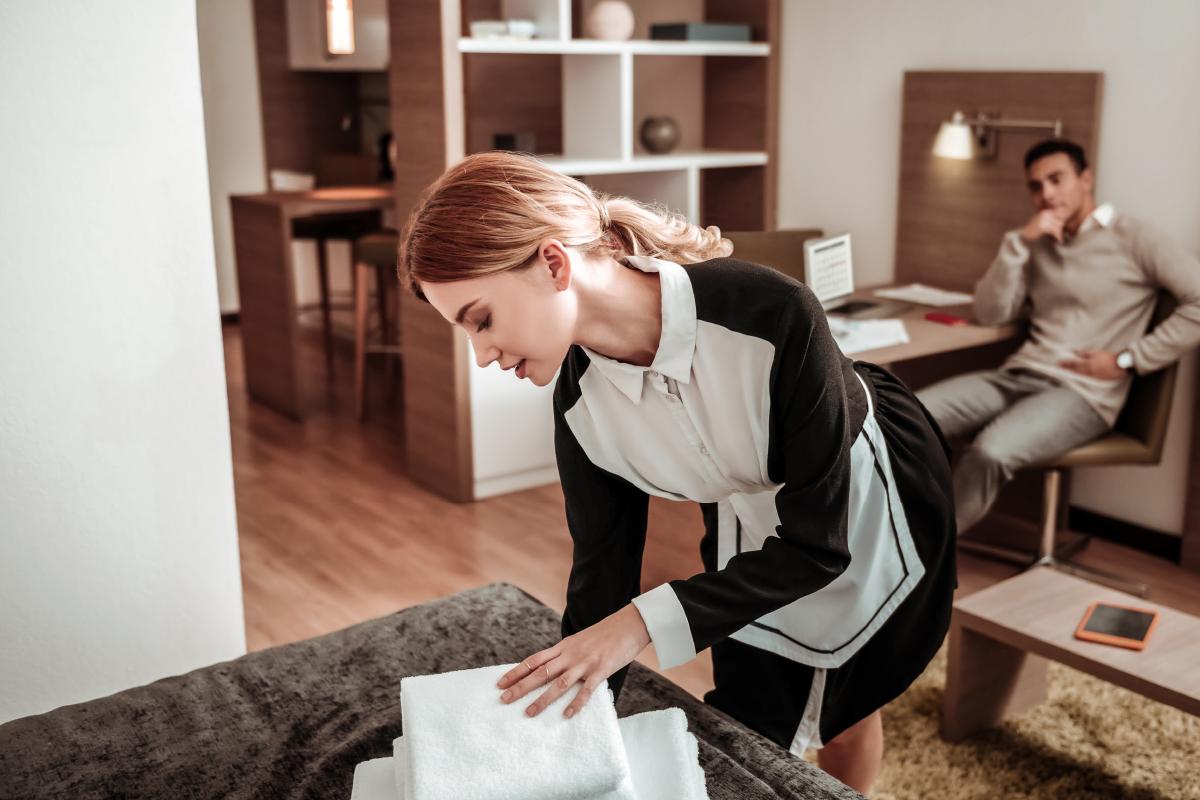 housekeeper uncomfortable situation
